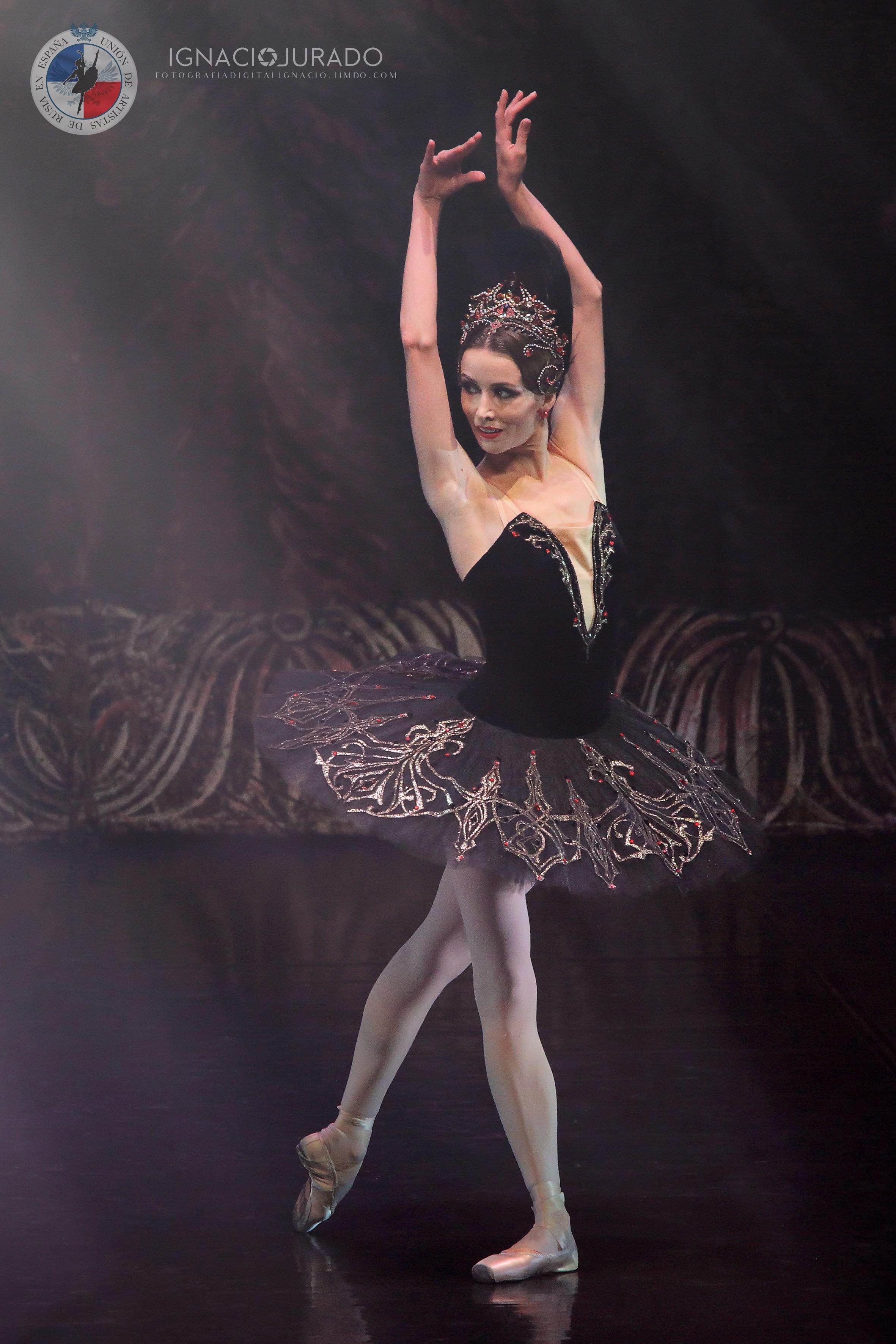 05 Cisne Negro Lina F I JURADO